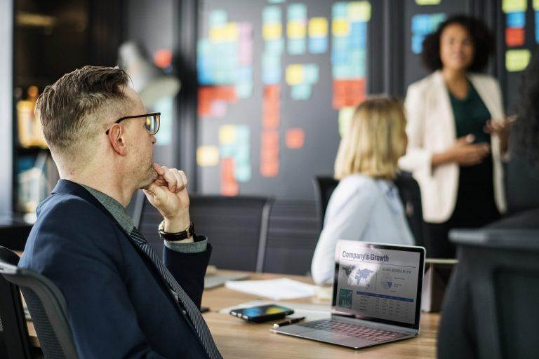 Jak reklama wpływa na sukces firmy?