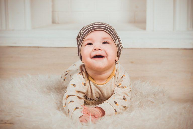 Kąpiel noworodka: jakie kosmetyki można zastosować bez obaw?