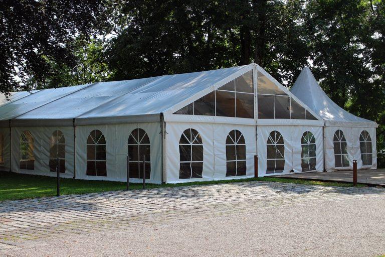 Hale namiotowe – praktyczne na różne wydarzenia