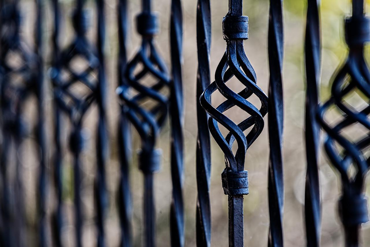 Montaż bramy – dobre akcesoria do bram
